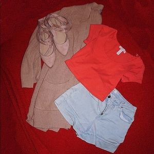 Coral crop top t-shirt.